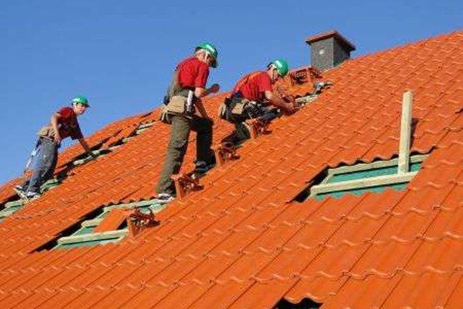 Akcesoria kominiarskie, czyli jak dostać się na dach?