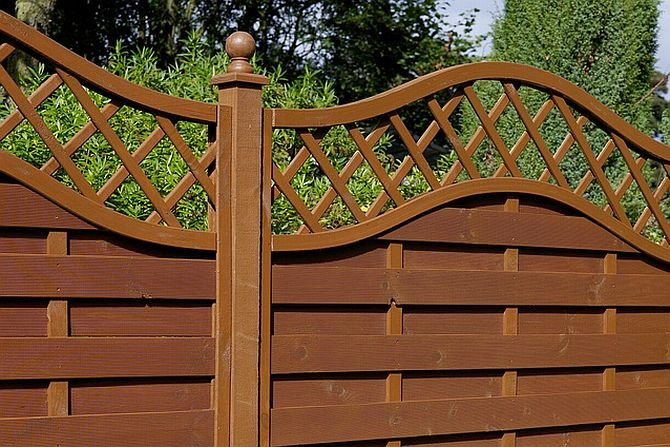 Jak odnowić drewniane ogrodzenie?