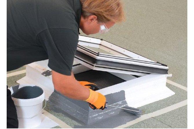 BauderLIQUITEC PU - łatwa hydroizolacja dachu bez mieszania i odmierzania
