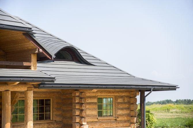 Czym pokryć drewniany dom