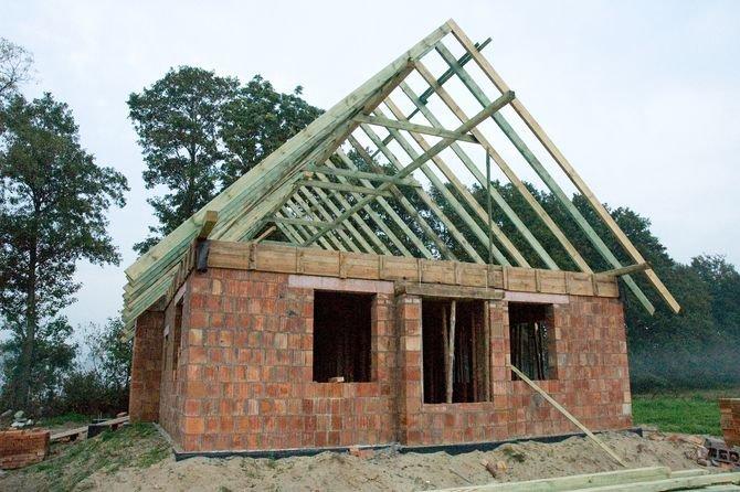 Budowa nieruchomości na granicy działki
