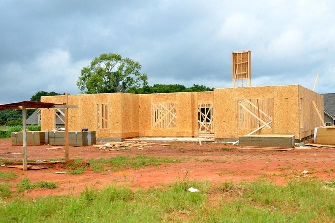 Gdzie wzrosły, a gdzie spadły ceny ofertowe działek budowlanych?