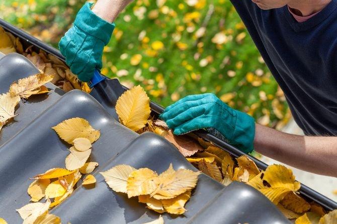 Jak czyścić dach z blachy