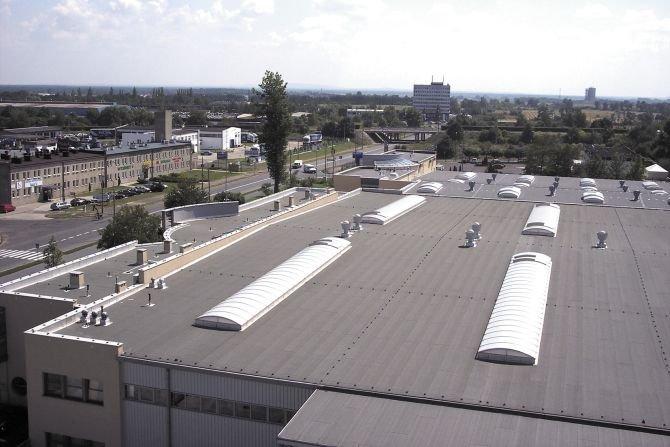 Dobór łączników do montażu na dachach płaskich
