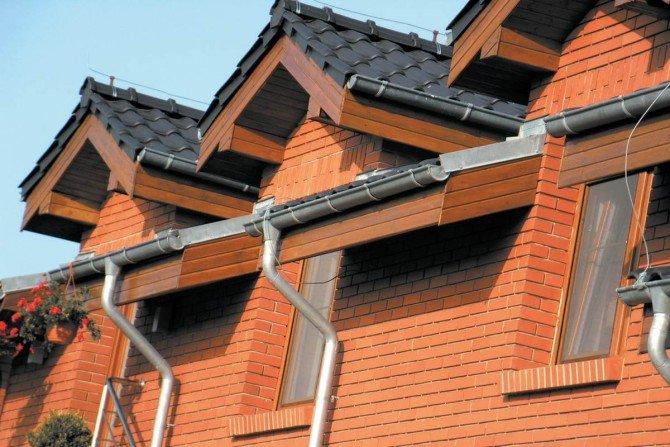 Jak dobrać rynny do dachu o nietypowym kształcie