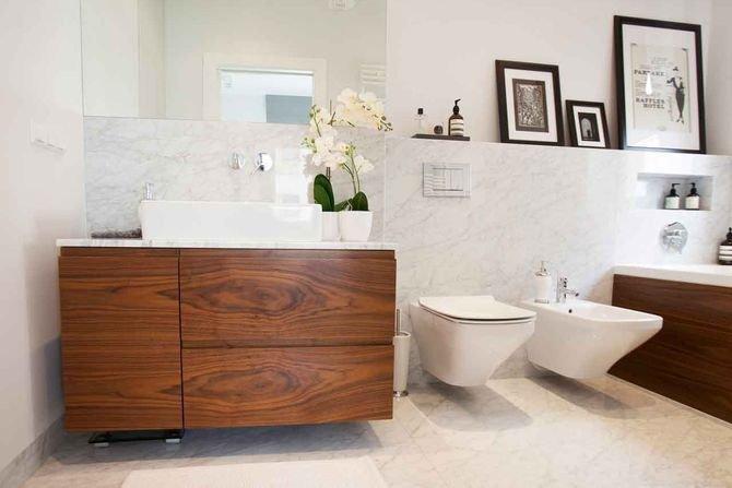 Drewno w łazience - jakie gatunki oprą się wodzie?