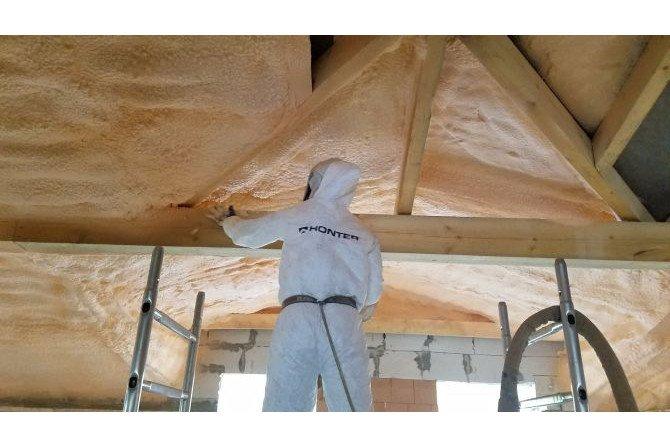 Jak uprościć budowę domu za pomocą pianki poliuretanowej?