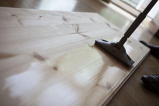 Lakierowanie podłogi krok po kroku