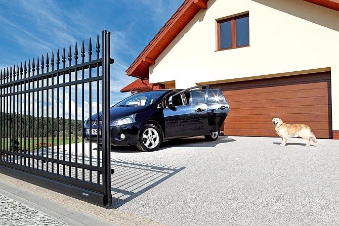 Jak odnowić metalowe ogrodzenie?