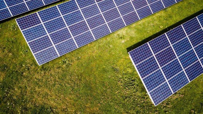Dlaczego energia odnawialna powinna odgrywać coraz większą rolę?