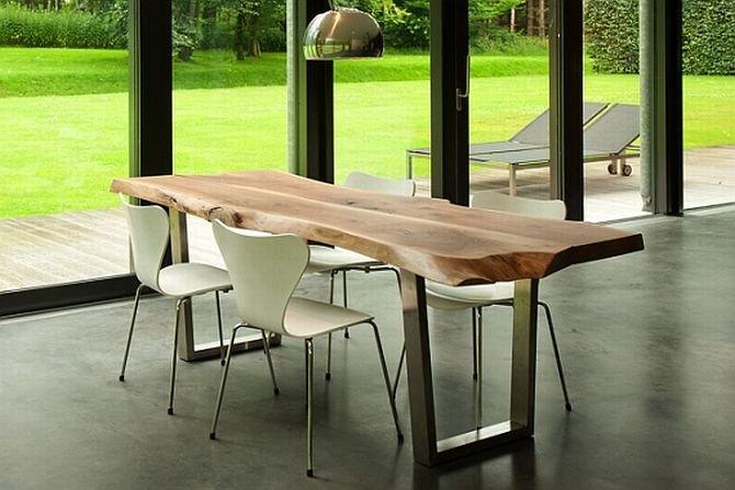 Stół wykonany z jednego kawałka drewna