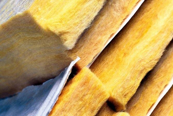 Wełna mineralna skalna i szklana - co je różni?