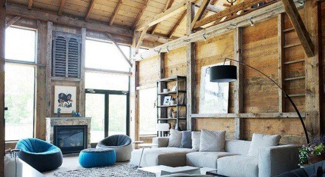 Nowoczesny dom cały w drewnie, który kiedyś był stodołą