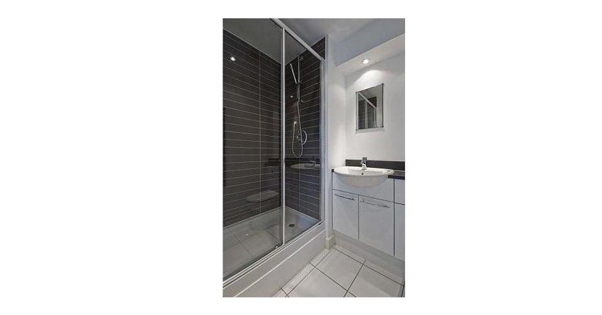 Jak zapobiec przeciekom w kabinie prysznicowej?