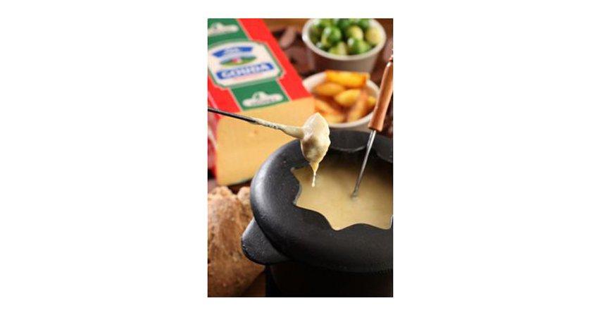 Walentynkowe fondue serowe