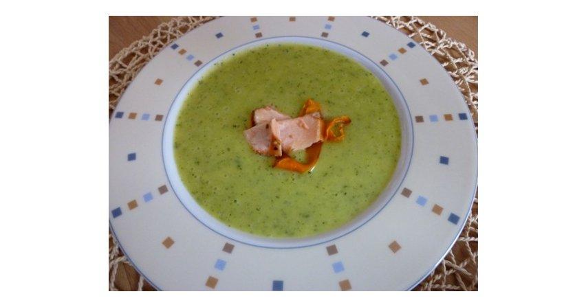 Zupa cukiniowa z pieczoną marchewką i łososiem