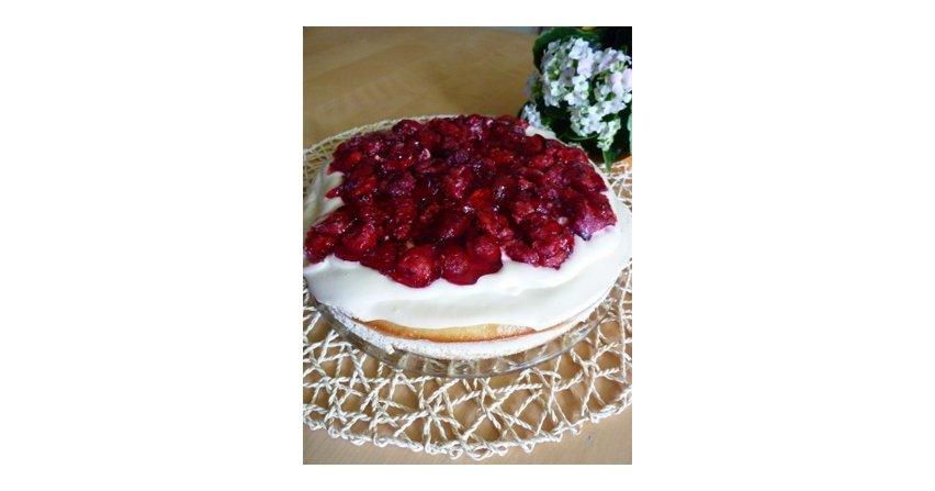 Ciasto z masą karmelową i malinami