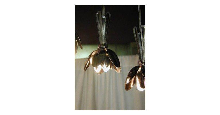 Lampa z łyżeczek