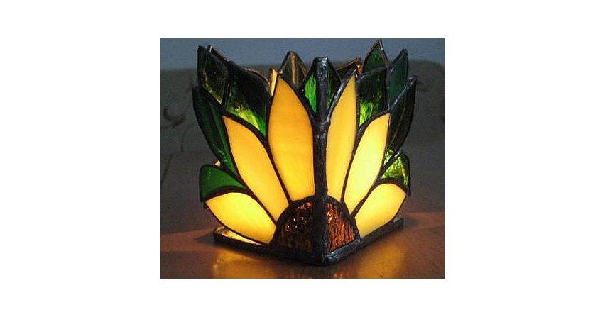 Witrażowa osłonka na świeczkę typu tealight