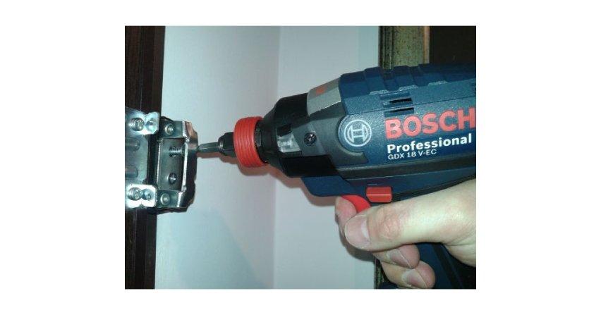 Zastosowanie akumulatorowego klucza udarowego Bosch GDX 18 V-EC Professional – studium przypadku