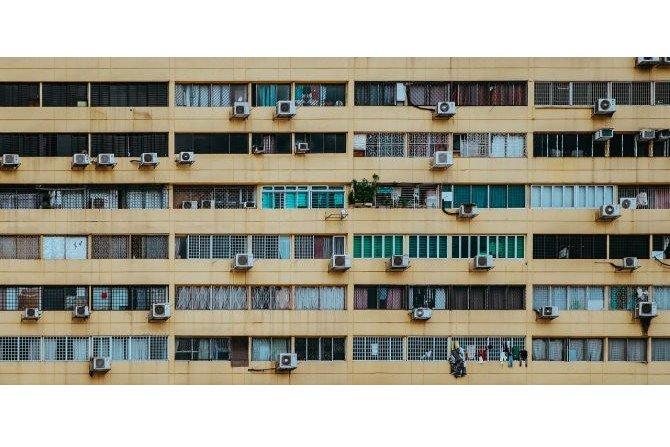 Klimatyzacja w mieszkaniu w bloku - czy warto?