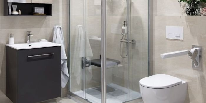 Łazienka dla osób niepełnosprawnych i seniorów  – jak ją urządzić?