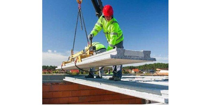 Stropy panelowe – łatwy montaż, modułowość, niskie koszty