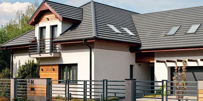 Termomodernizacja ścian budynków jednorodzinnych – co wpływa na trwałość i bezpieczeństwo użytkowania systemów elewacyjnych?