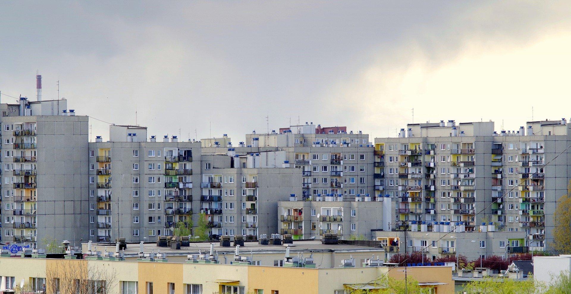 Dlaczego mieszkania w blokach z wielkiej płyty są chętnie kupowane?