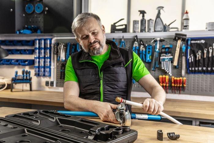Högert Technik – narzędzia dla hydraulików