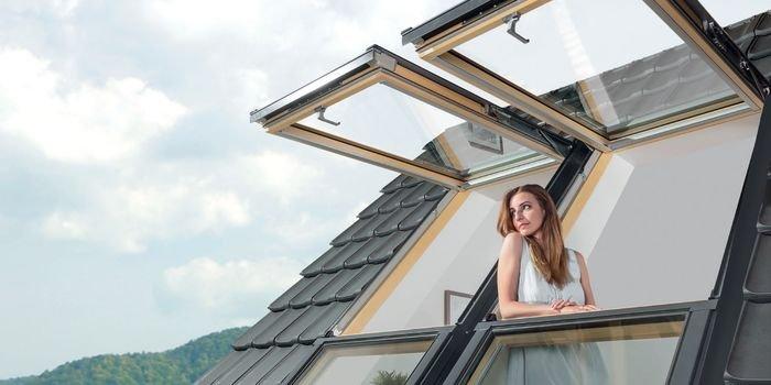 Okno dachowe, które otwiera przestrzeń
