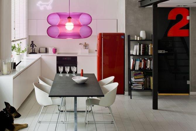 Lampa w intensywnym różowym kolorze - BIG PINKFot. PUFF-BUFF