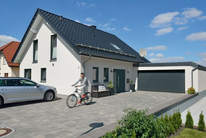 Bramy garażowe i drzwi wejściowe Fot. Hörmann