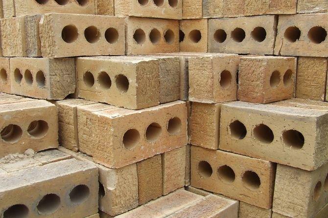 Jak i gdzie sprawdzać jakość materiałów budowlanych? Fot. www.freeimages.com