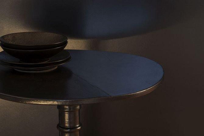 Nowość - farba opalizująca Barwy Czerni Fot. Liberon