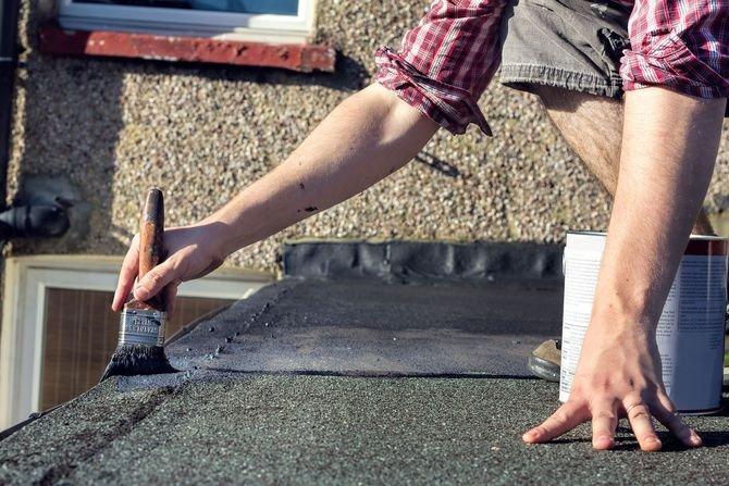 Jak naprawić dach z papy? Fot. Fotolia