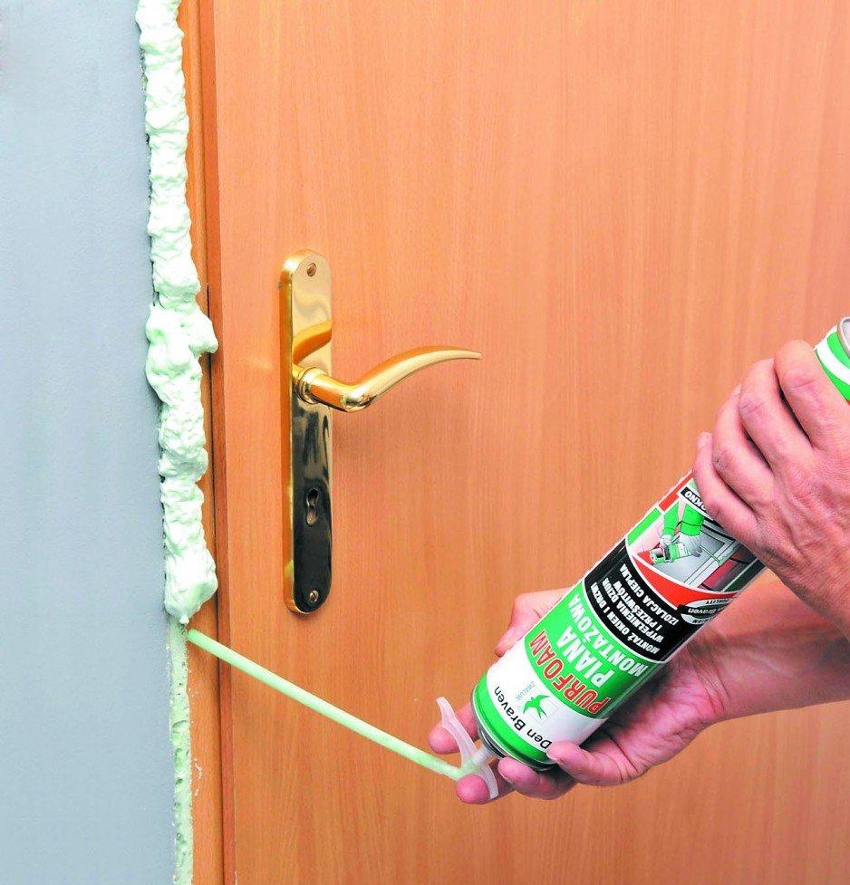 Uszczelnienie ościeżnicy w drzwiach