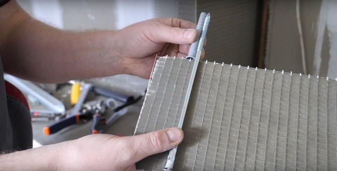 Drugim rozwiązaniem mocowania półki jest zastosowanie, zamiast kotw chemicznych, kołków szybkiego montażu.