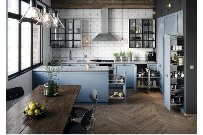 Konfiguracja, w jakiej ustawimy szafki zdeterminuje późniejszą funkcjonalność całej kuchni – to czy będzie się nam pracowało w niej komfortowo, czy też wprost przeciwnie. Fot. REJS
