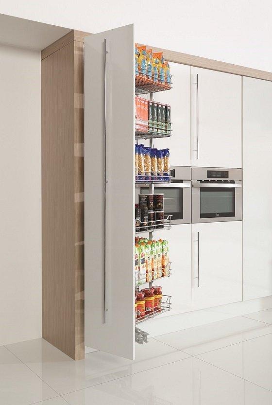 Sposoby na szafki wysokie w kuchni