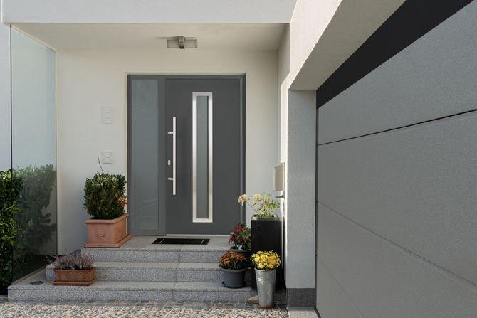 Dobrana para - promocja na drzwi wejściowe i bramy garażowe Fot. Hörmann