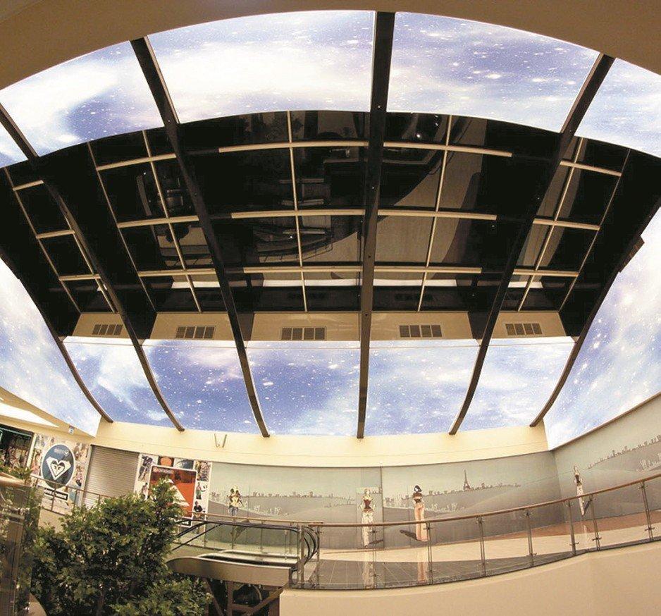 Sufity napinane oferowane są w wielu różnych kolorach i strukturach (np. lustrzana, satynowa, transparentna, matowa lub metaliczna).