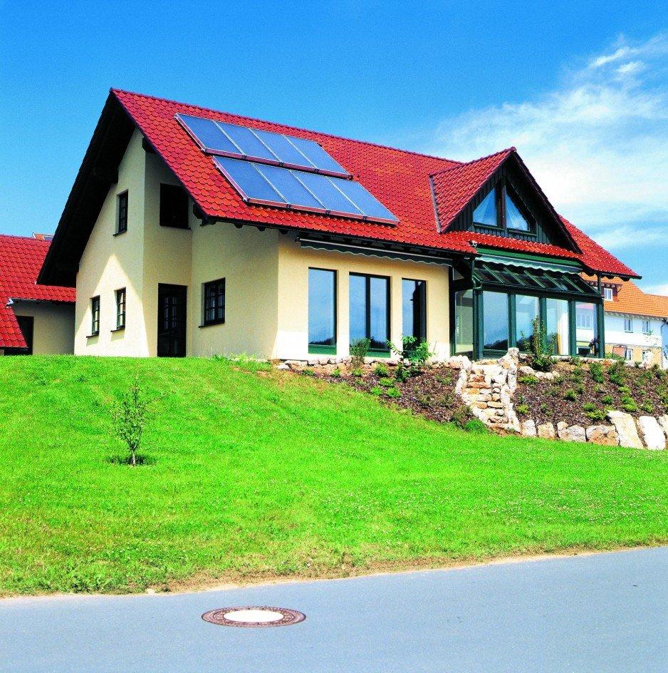 Kolektory słoneczne mogą dostarczyć w ciągu roku 50–60% ciepła potrzebnego do ogrzania c.w.u.