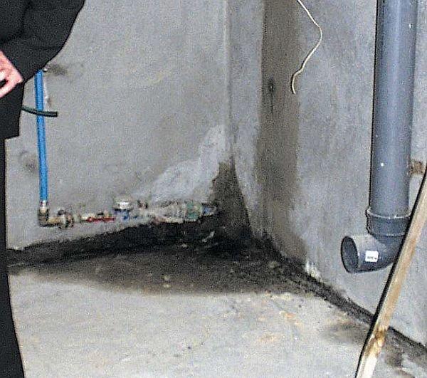Skutki braku izolacji w piwnicy budynku mieszkalnego