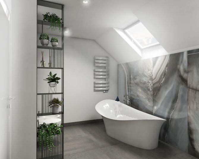 Łazienka na piętrze to niemal salon kąpielowy. Wrażenie luksusu wywołuje spiek kwarcowy na ścianie, który do złudzenia przypomina szlachetny onyks, a także wolno stojąca wanna o nieregularnym kształcie. Wartym uwagi pomysłem jest metalowy regał, który za.