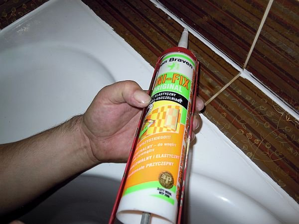 Warto wybrać preparat, który nie zniszczy powierzchni glazurowanych i szkliwionych.