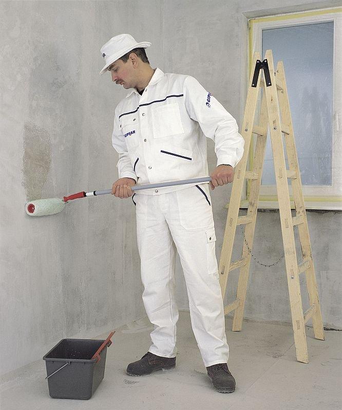 Przed malowaniem lub tapetowaniem podłoże trzeba zagruntować