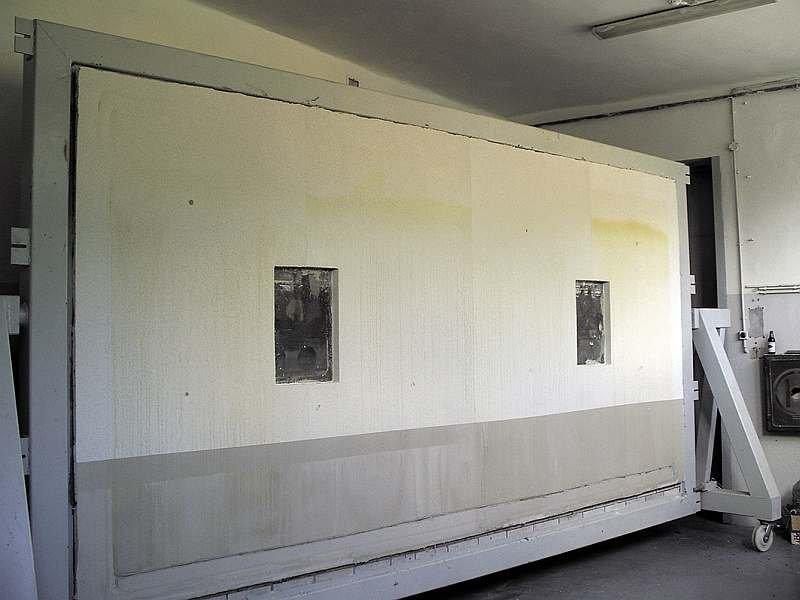 Ściana testowa ETAG 004 po testach w komorze klimatycznej; po prawej; fot. SSO