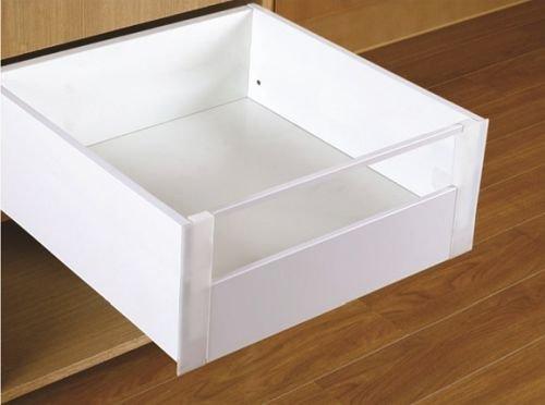 Teraz szuflady Slim Box dostępne są w kolorze białym i grafitowym. FOT. REJS