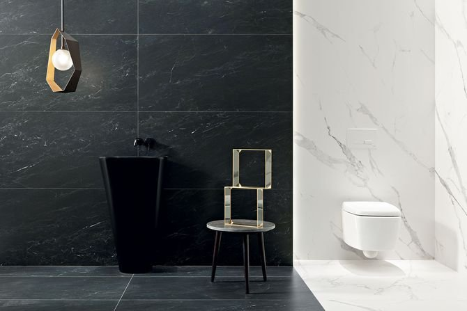Inspiracja czarnym marmurem w kolekcji Regal Stone Fot. Monolith/Ceramika Tubądzin